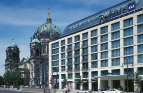 Radisson Blue Hotel, DomAquarèe, Alexanderplatz: Berlino, Germania